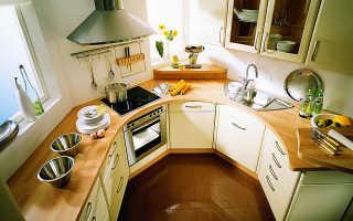 Кухня в центре комнаты
