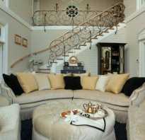 Зал с лестницей дизайн фото